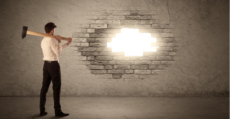 Realidade sem máscaras simplicidade e coragem para superar desafios da comunicação visual.jpg